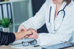 Tendinitis de Quervain: qué es, síntomas, causas, diagnostico y tratamiento